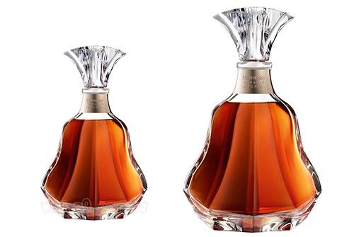 Hennessy-Declassified_0709_1_Paradis-Imperia.jpg