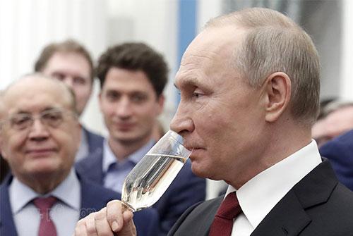 Putin_0810_1.jpg