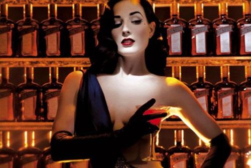黛塔范提思 代表君度橙酒打造私人俱乐部